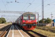 Электропоезд переехал уснувшего на рельсах жителя Дербентского района