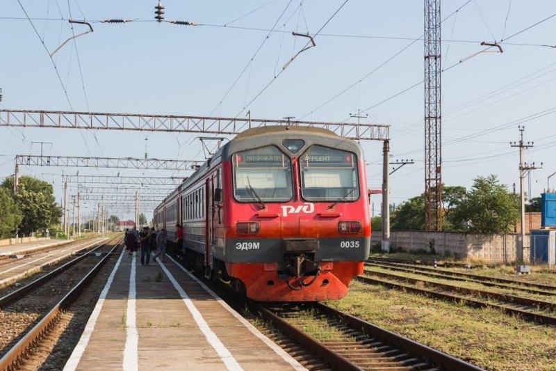В правительстве Дагестана обсудили возможность возобновления движения поездов в ночное время