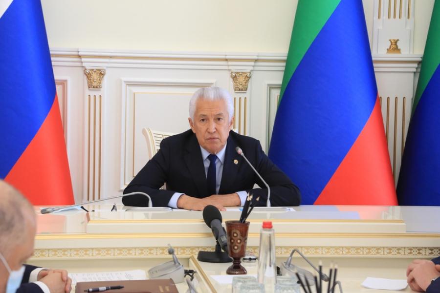 Глава Дагестана провел экстренное совещание по снижению смертности на дорогах