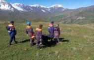 В Дагестане спасатели спустили с горы раненую альпинистку из Московской области