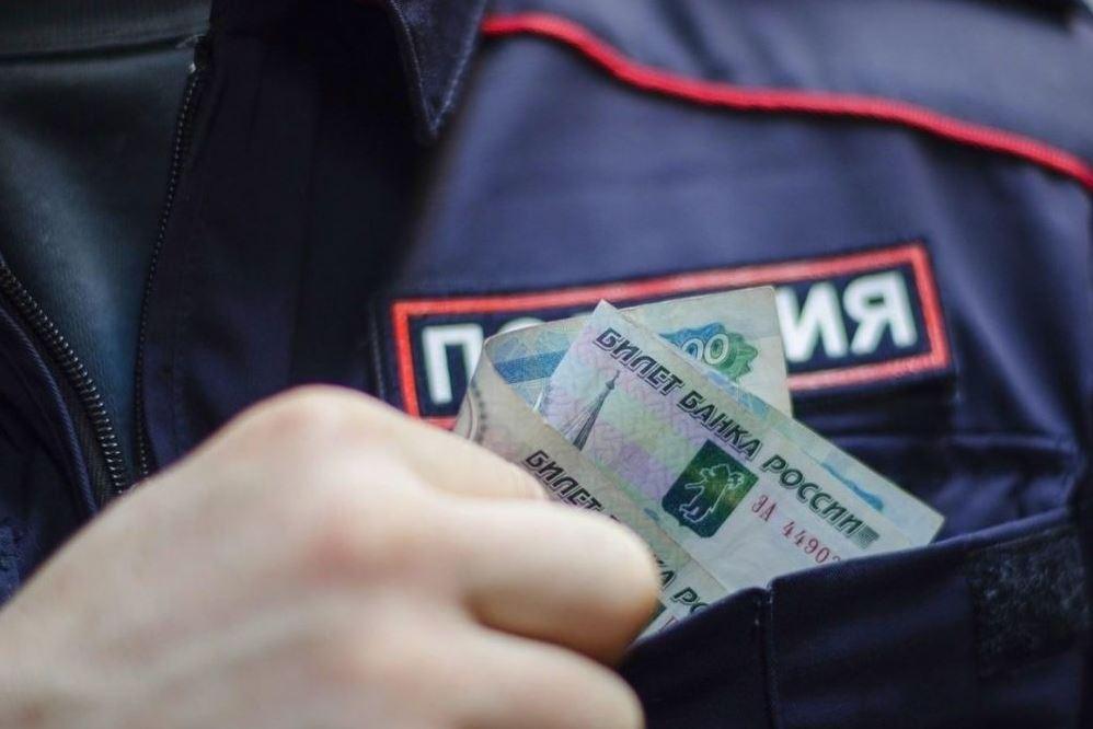 Бывший инспектор ДПС в Кизляре ответит в суде за вымогательство взятки
