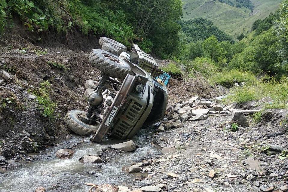 В результате ДТП на территории Бежтинского участка пострадали девять человек