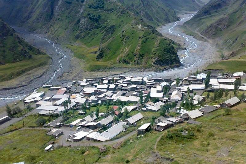 Восстановлено сообщение с тремя селами Ахтынского района. Угроза нового камнепада сохраняется