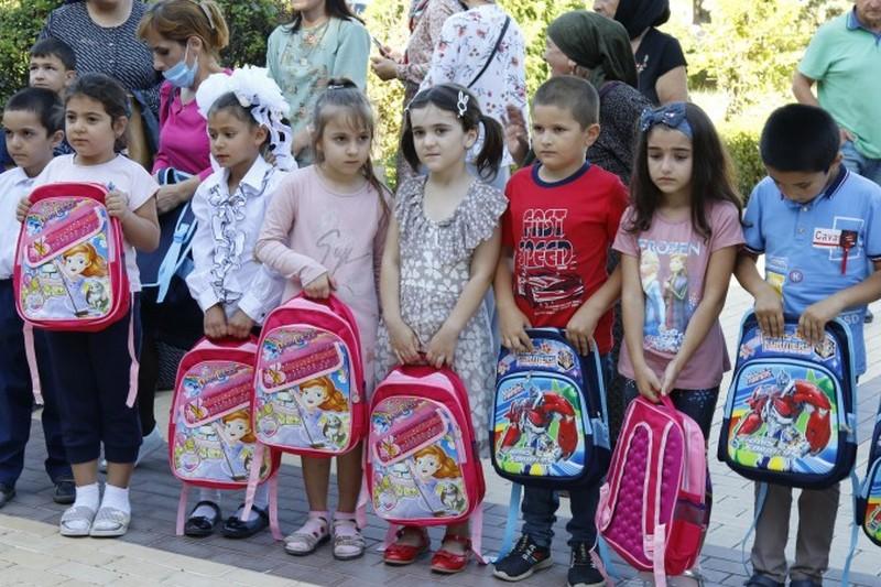 В Дагестане стартовала благотворительная акция «Собери ребенка в школу»