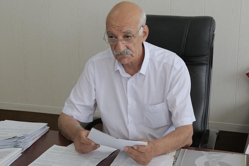 И.о. мэра Кизилюрта призвал полицейских не портить молодоженам праздник