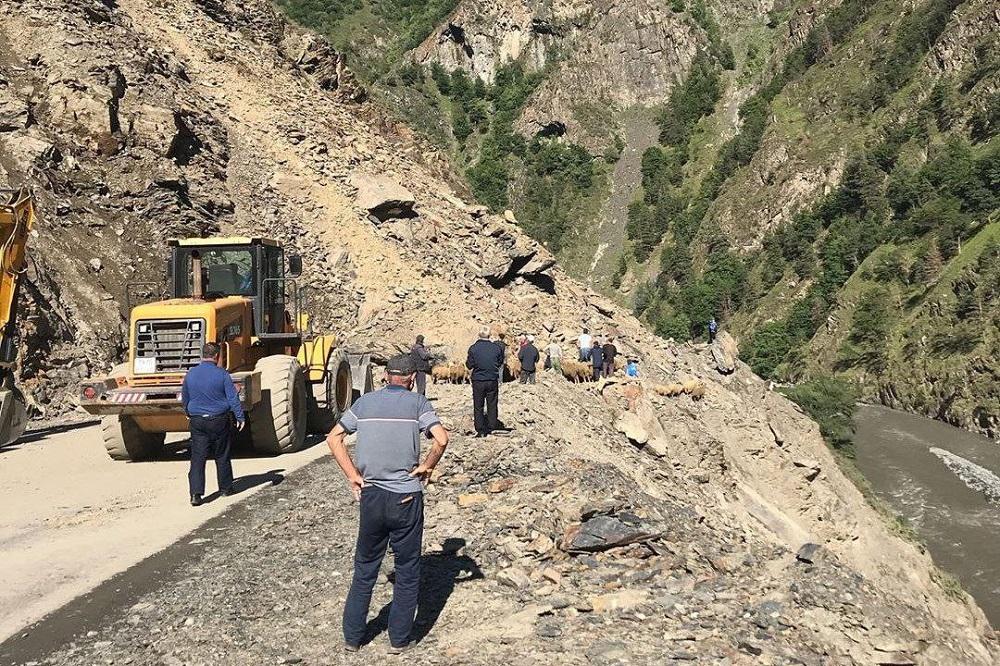 Дорогу в Тляратинский район и Бежтинский участок откроют не раньше 5 августа