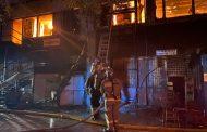В центре Махачкалы сгорел мебельный цех (ФОТО)