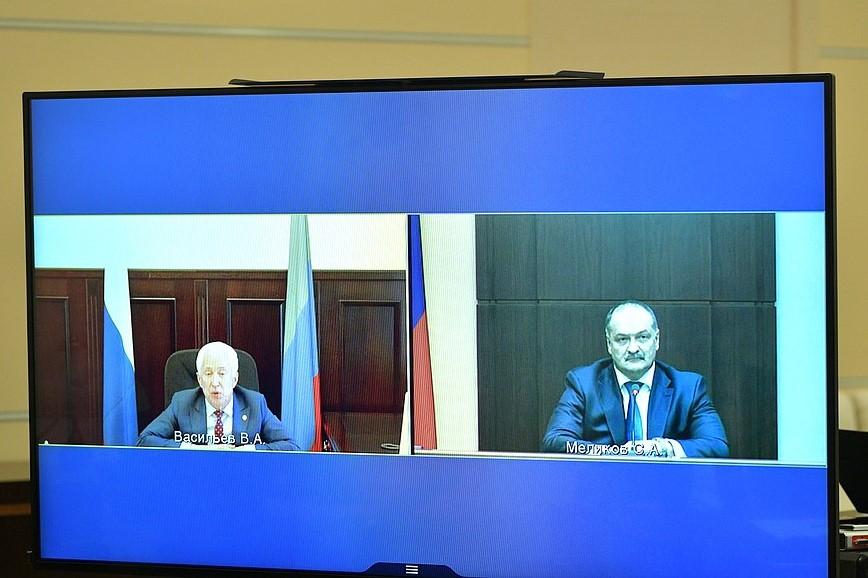 Владимир Путин провел встречу с Васильевым и Меликовым