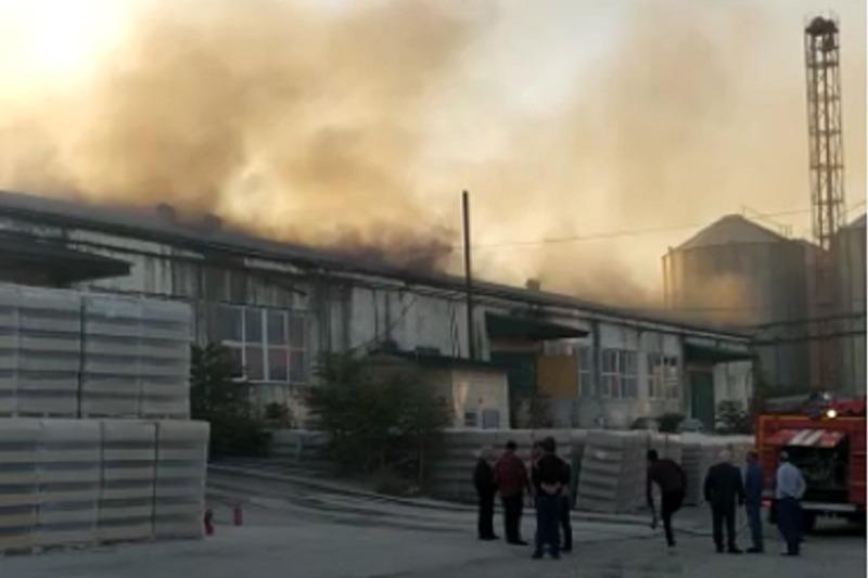 На Дербентском винно-коньячном заводе произошел пожар