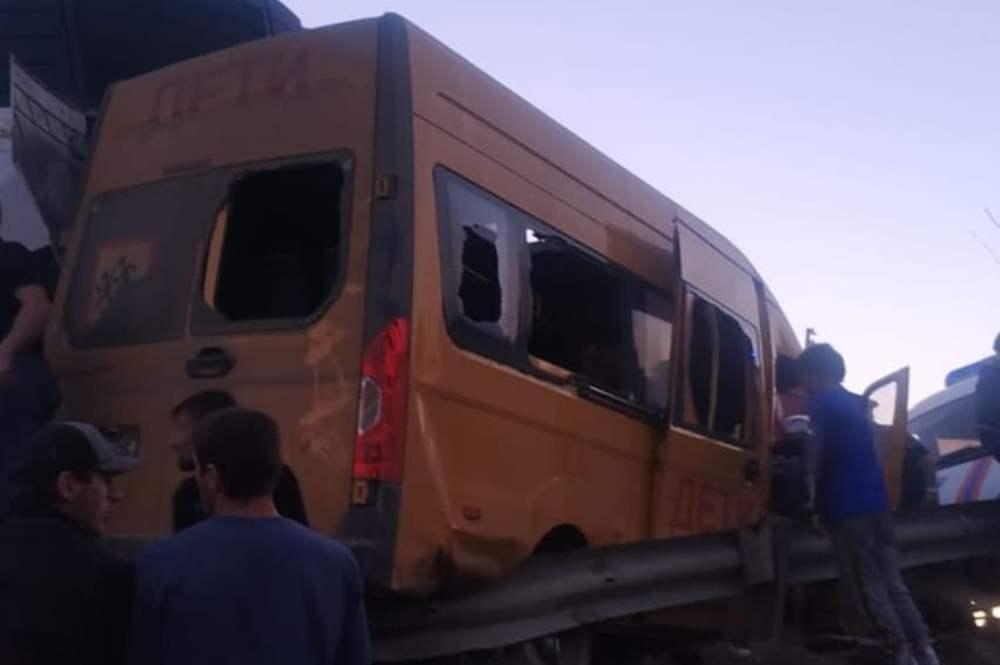 МВД Дагестана назвало предварительную причину ДТП со школьным автобусом