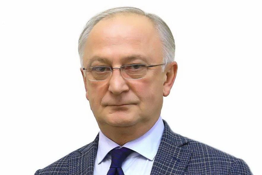 Меликов назначил Амирханова председателем правительства