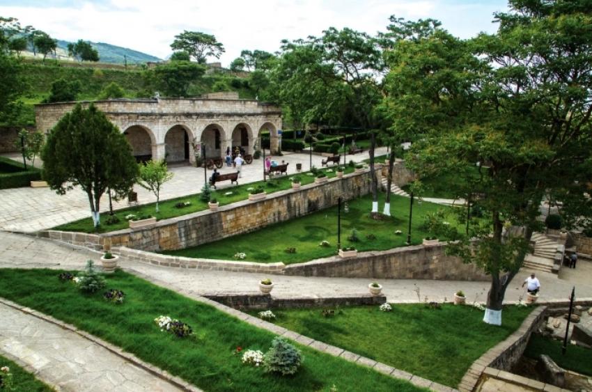 В Дербентском музее-заповеднике введут аттестацию внештатных экскурсоводов и гидов