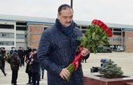 Сергей Меликов почтил память правоохранителей, погибших во время кизлярских и первомайских событий 1996 года