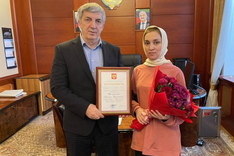 Хизри Абакаров вручил дагестанским врачам благодарности от президента страны