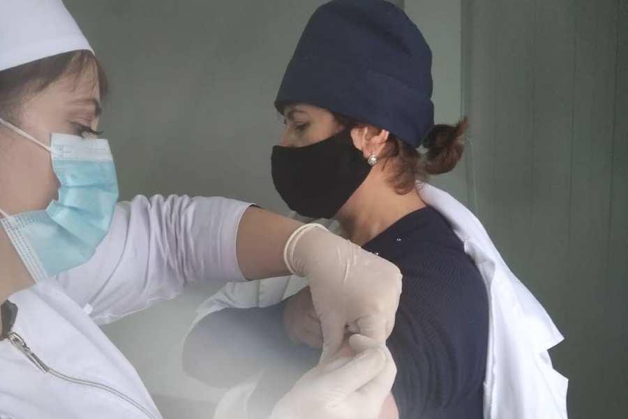В Магарамкентском районе продолжается вакцинация против коронавируса