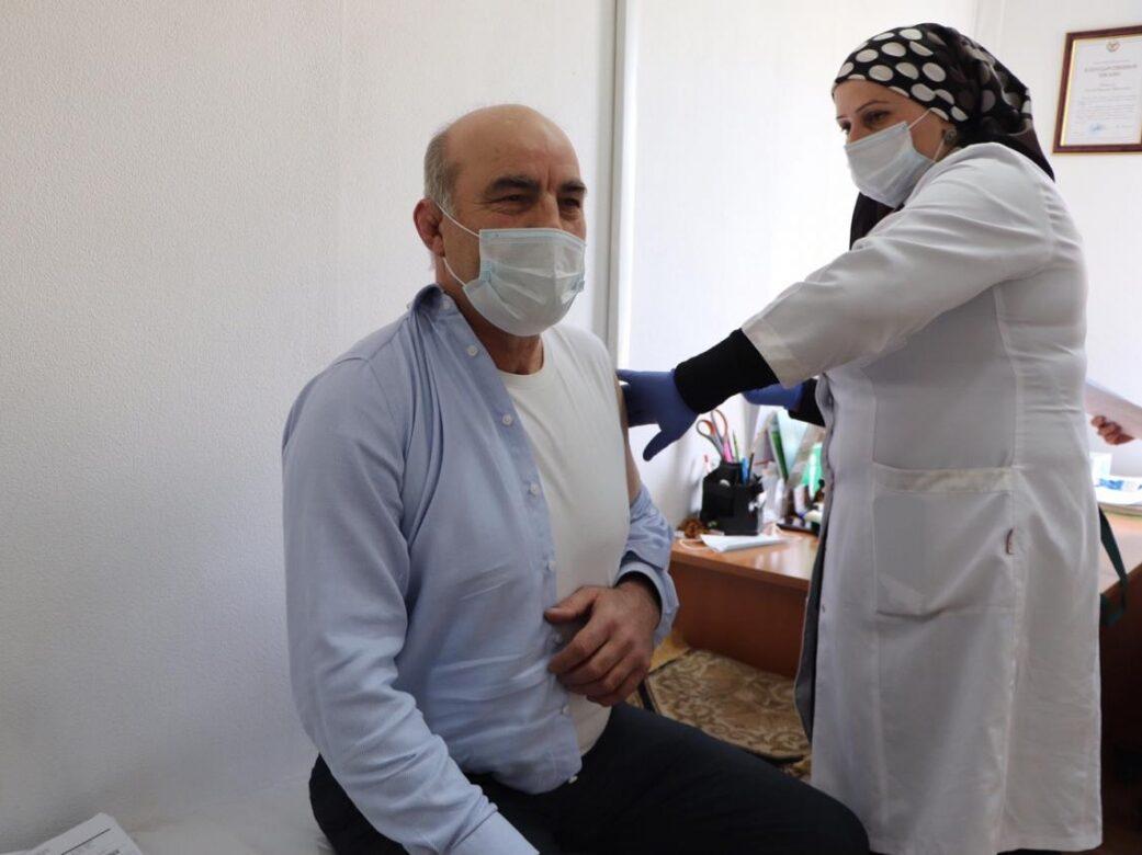 Глава Шамильского района сделал прививку от коронавируса