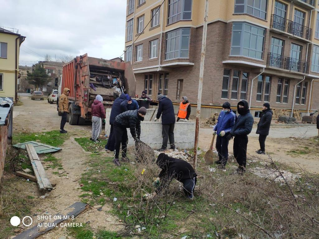 Избербашцы присоединились к акции по очистке от мусора в Каспийске
