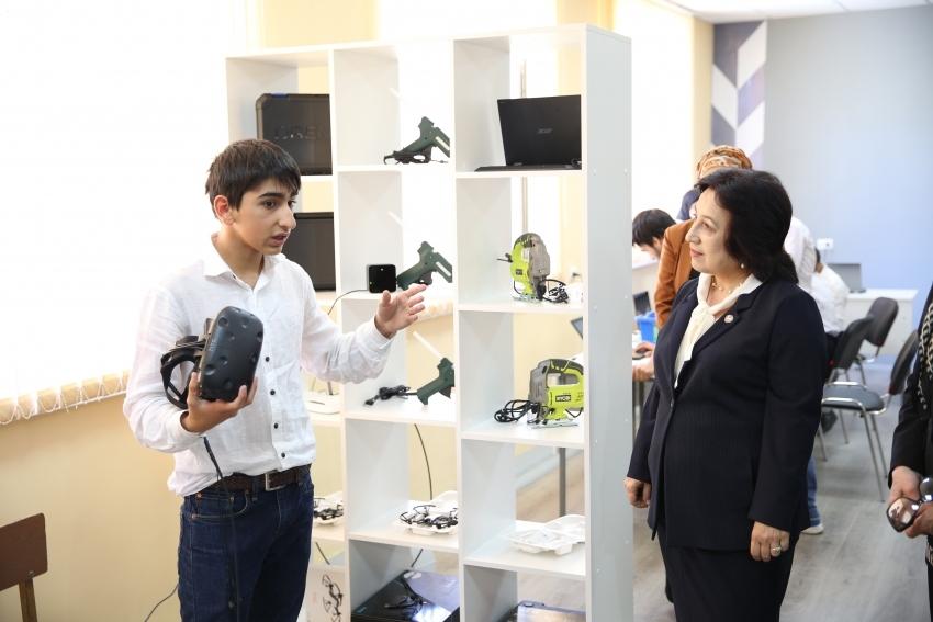 В сельских школах Дагестана в 2021 году откроют 170 центров «Точка роста»