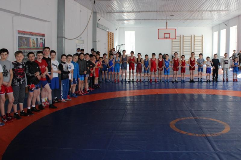 В Ахвахском районе отметили столетие ДАССР спортивным праздником