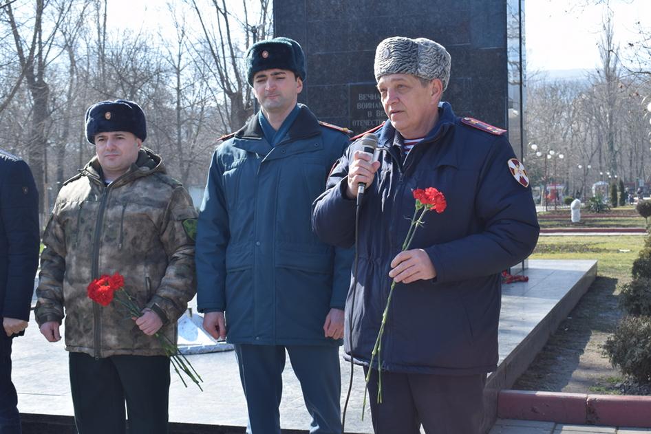 В Дагестане Росгвардейцы почтили память павших защитников отечества