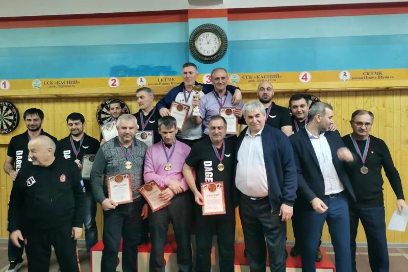 Чемпионы Дагестана по дартсу примут участие в турнире СКФО