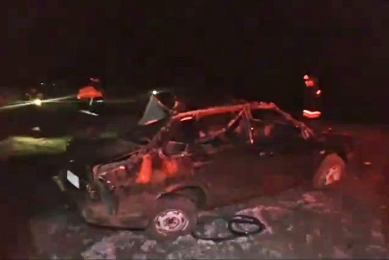 В Тарумовском районе «Лада» опрокинулась в кювет, погибли два человека