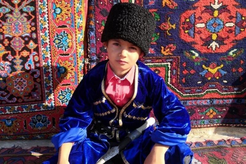 Более тысячи дагестанцев стали участниками флешмоба «Фото в национальных костюмах»