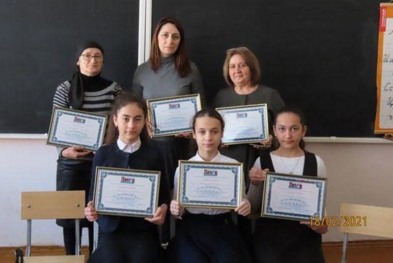 В школах Махачкалы и Каспийска прошла олимпиада по лезгинскому языку