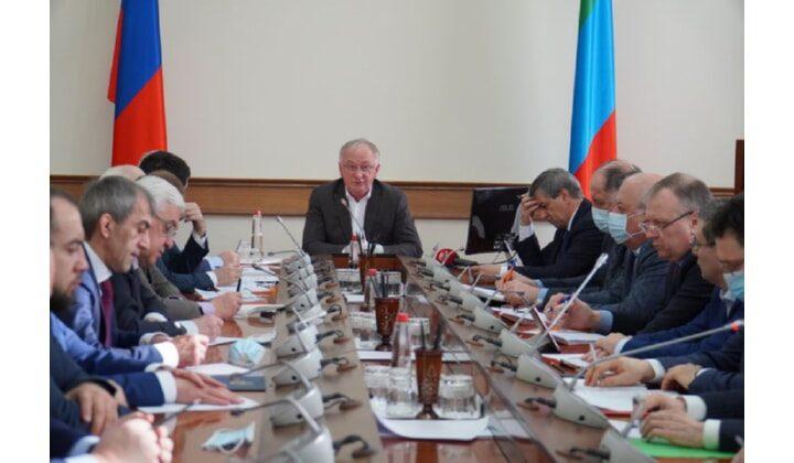 Меры по организации водоснабжения жителей Махачкалы и Каспийска обсудили на заседании оперштаба