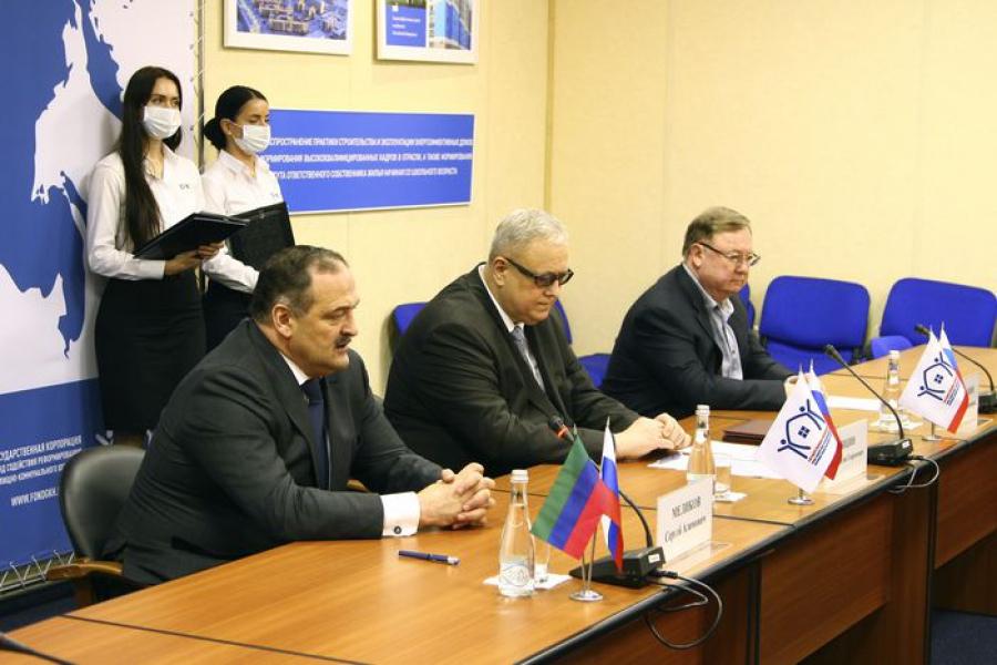 Дагестан и Фонд ЖКХ договорились о замене лифтового оборудования в многоквартирных домах региона