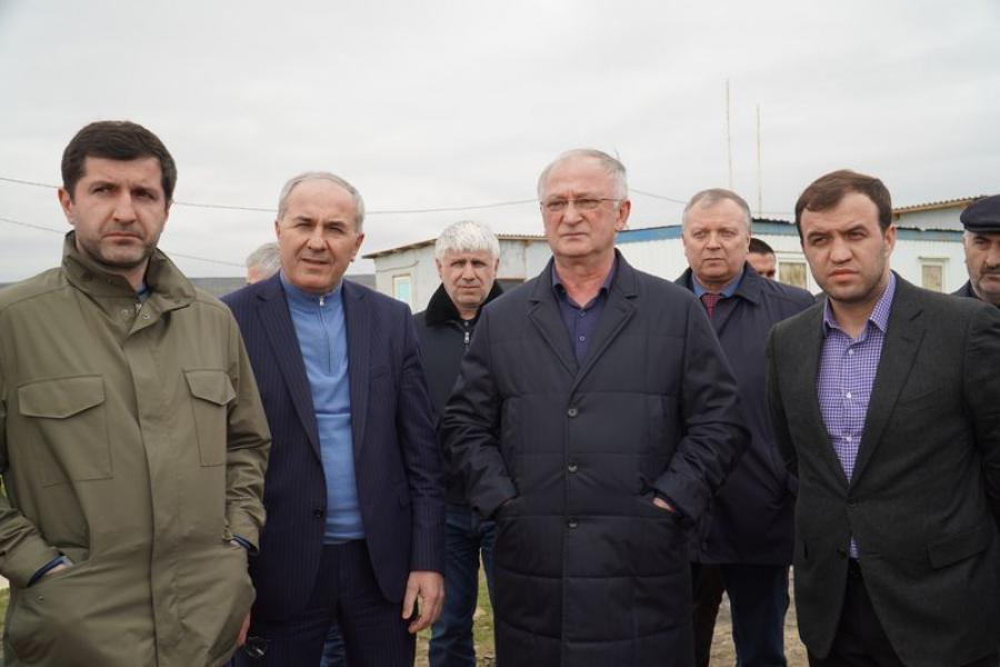 Премьер-министр Дагестана посетил детсад-долгострой и мусорный полигон в Избербаше