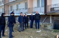 Премьер Дагестана проверил состояние дома для переселенцев из аварийного жилья