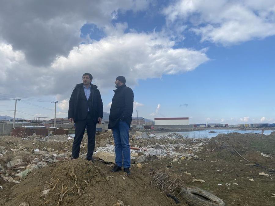 Батыр Эмеев проинспектировал проблемные участки КОРа и реки Черкес-озень