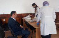 Сотрудники администрации Ахтынского района проходят вакцинацию от коронавируса