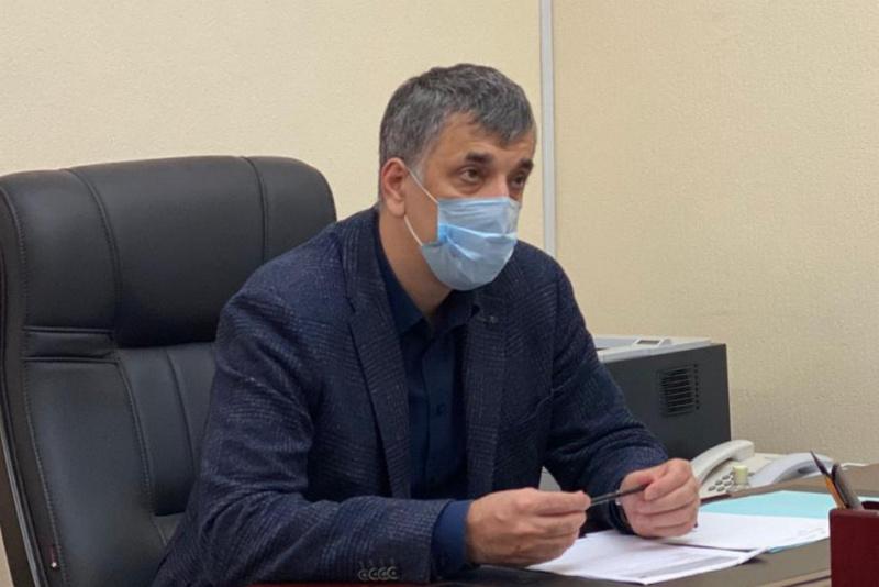 Руководитель Главного бюро МСЭ по Дагестану Шамиль Рамазанов прошел вакцинацию от COVID-19
