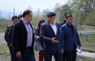В Магарамкентском районе Дагестана Сергей Меликов посетил суперинтенсивный яблоневый сад