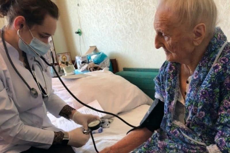 Ветераны прошли вакцинацию от COVID-19 на дому
