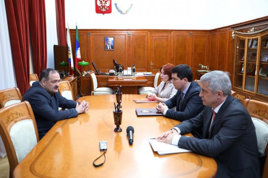 Сергей Меликов провел встречу с омбудсменами Дагестана
