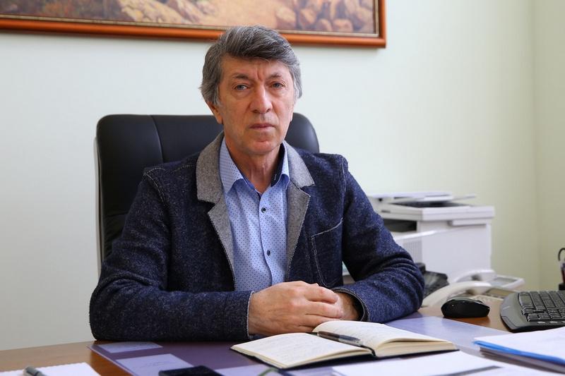 Акай Муртазаев: «Руководство региона осознает, что ни одна глобальная проблема не решается без привлечения потенциала науки»