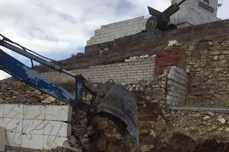 В Левашинском районе меценаты реставрируют памятник воинам Великой Отечественной войны