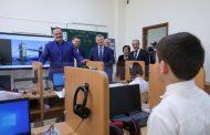 Сергей Меликов и замминистра просвещения России Андрей Николаев посетили новую школу в поселке Талги