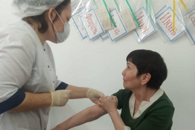 Любовь Уразаева: «Вакцинация особенно важна для людей старшего поколения»
