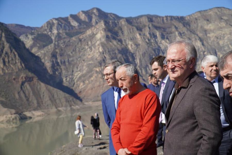 Абдулпатах Амирханов: «Правительство ускорит решение проблем пострадавших при строительстве Ирганайской ГЭС»
