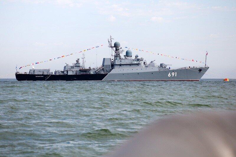 На борту «Татарстана», у берегов Дагестана