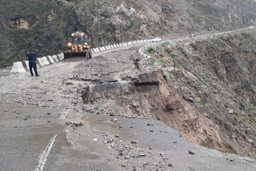Обвал дороги произошел в Унцукульском районе