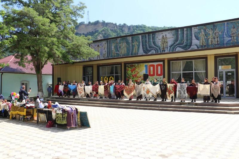 Кайтагская районная библиотека отпраздновала 100-летний юбилей