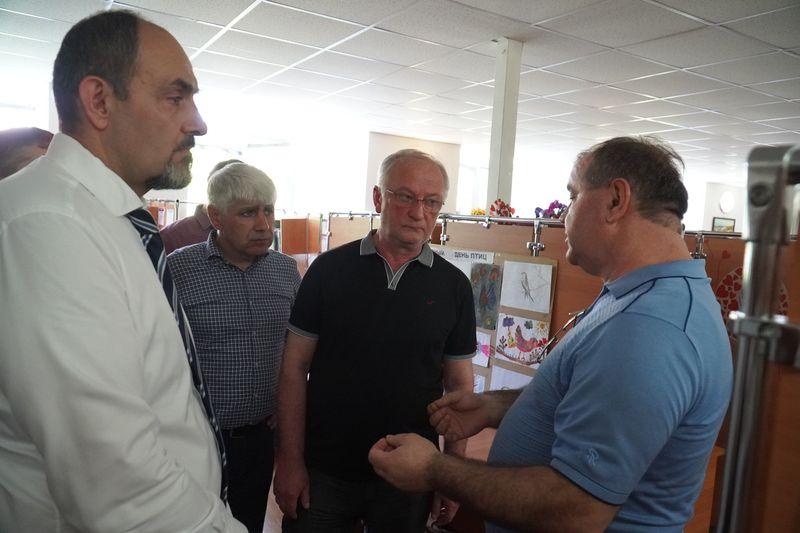 Правительство Дагестана поможет центру дистанционного обучения детей-инвалидов