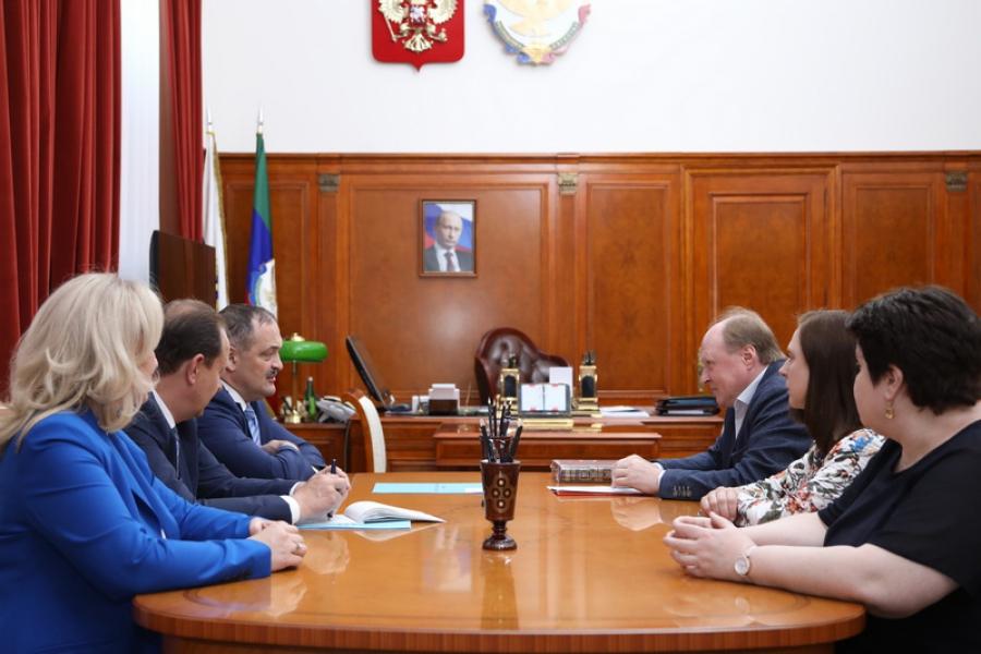Сергей Меликов: 2023-й год будет объявлен Годом Расула Гамзатова