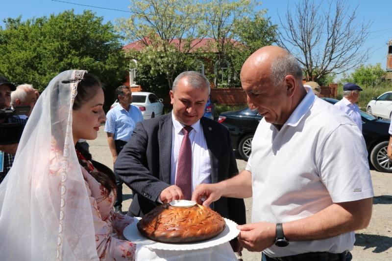 Казбековский район и город Карачаевск подписали договор о дружбе