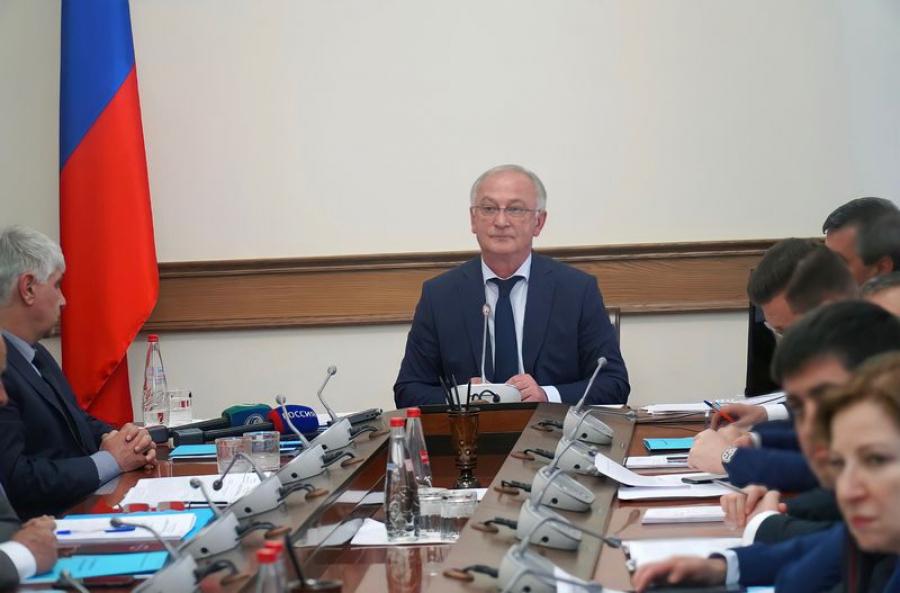 Итоги социально-экономического развития Дагестана за 2020 год рассмотрели на заседании правительства республики